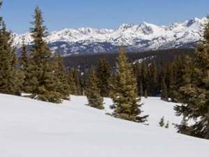 vail co mountains with snow